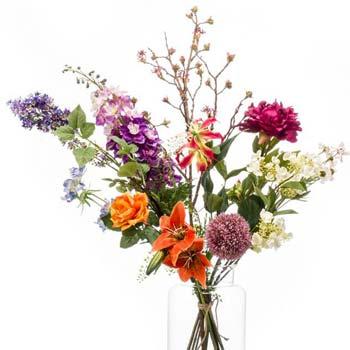 Mazzi di fiori uniti a mano